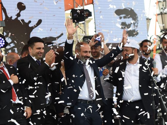 ARMENIAN OPPOSITION LEADER AND NEWLY-ELECTED PRIME MINISTER NIKOL PASHINYAN (C) CELEBRATES WITH HIS SUPPORTERS IN THE REPUBLIC SQUARE IN YEREVAN, ARMENIA, 08 MAY 2018. © HAYK BAGHDASARYAN (PAP/EPA)